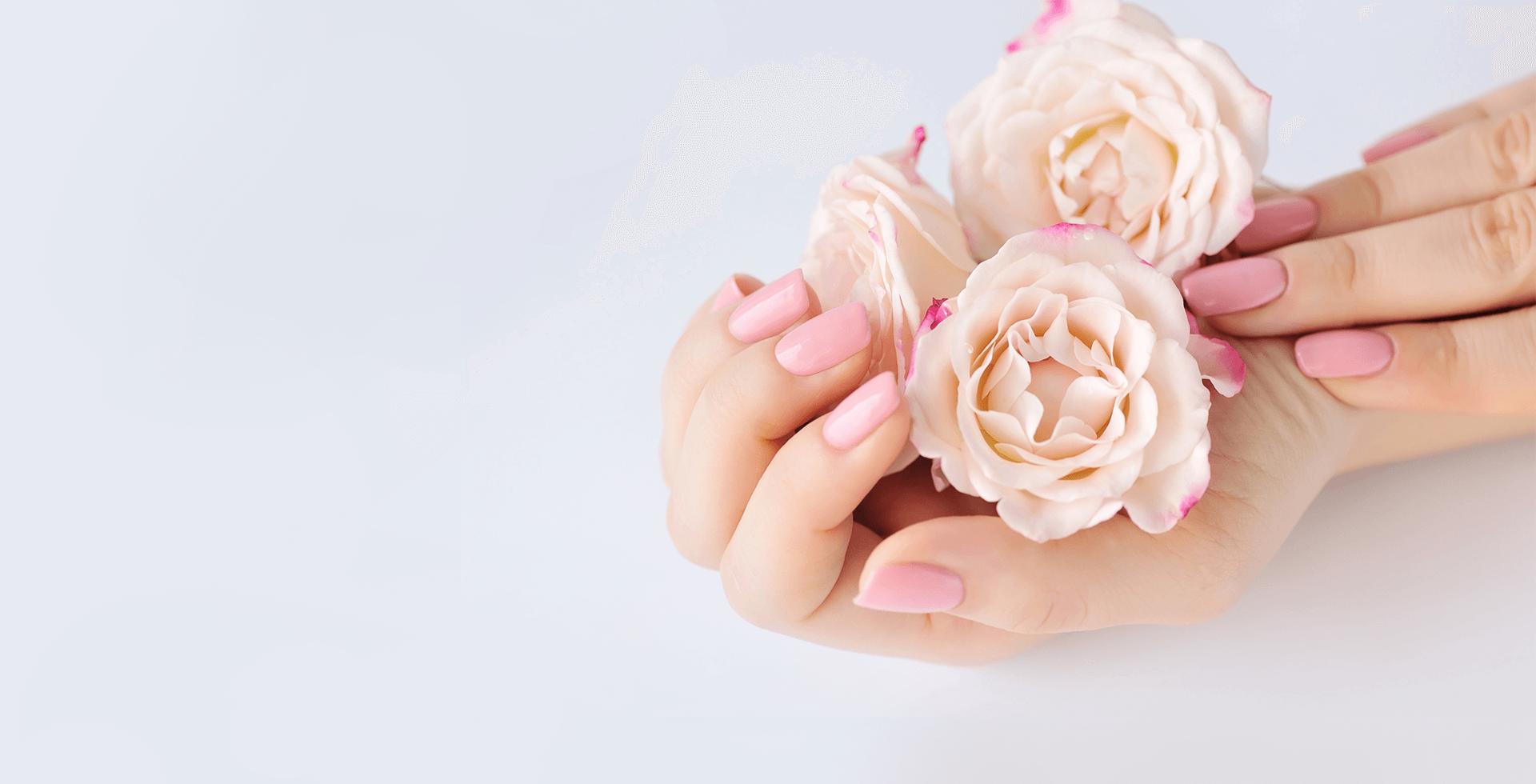 Маникюр со светло-розовым покрытием
